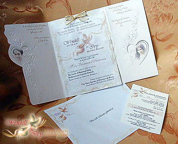 Sample Wedding Entourage List Invitation http://ourwedding.pixelsplasher.com/%7Ephoto-gallery/wedding-accessories/